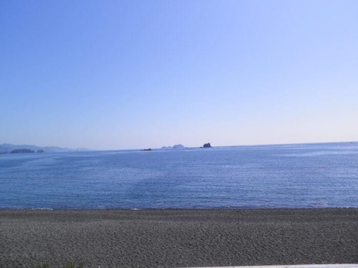 浜辺と水平線