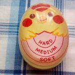 100均ダイソーで買ったエッグタイマーはゆで卵を作るときにあると便利です。