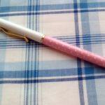 100均ダイソーのタッチペンがかなり使えてついでにボールペンもぬるぬると書きやすいのでお気に入りです。