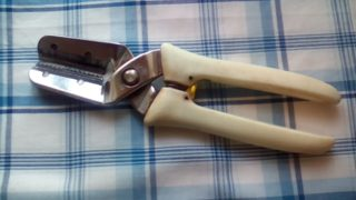 栗くり坊主で大変な栗剥き作業をちょっとだけ楽にしませんか。めんどうだけど自分で剥いた栗はめっちゃ美味いです。