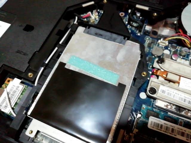 SSDをLenovoG570の中に入れる