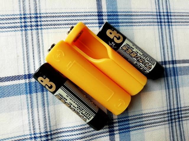 100均セリアで買える単4乾電池を単3サイズにする!電池パック2個入りと単4電池