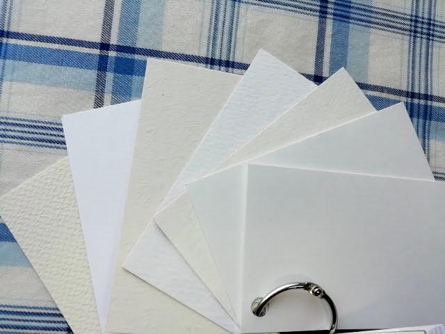 マヒトデザインの名刺サンプルの特殊紙の裏面
