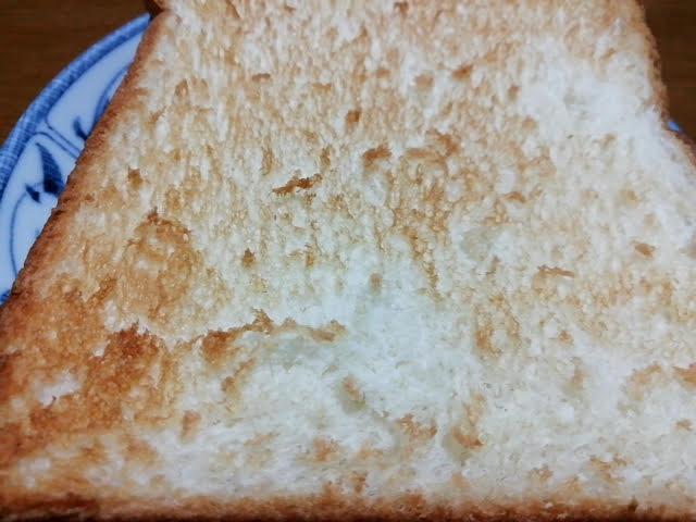 業務スーパーの天然酵母食パンをトーストしてみたところ