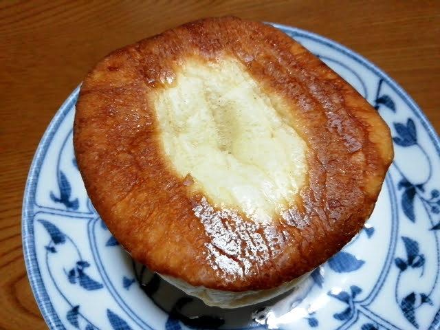 100均ダイソーの濃い塩バターパンの裏