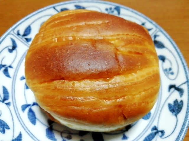 100均ダイソーの濃い塩バターパン
