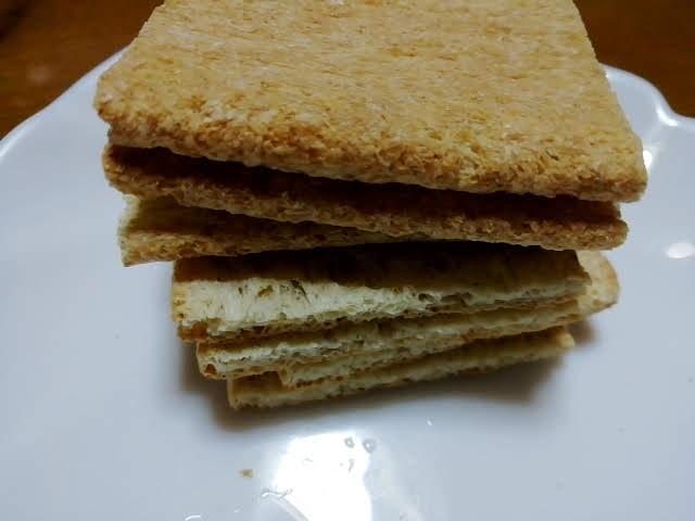 業務スーパーのマリランのマジックトースト小麦ブラン198円を袋から出したところ