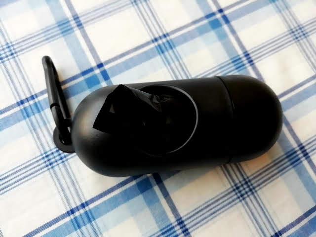 100均キャンドゥの携帯ゴミ袋ケースの黒色にゴミ袋をセットしたところ