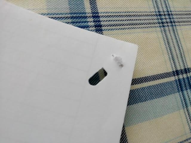 100均セリアの針のいらないホッチキスで紙を2枚綴じてみたところ