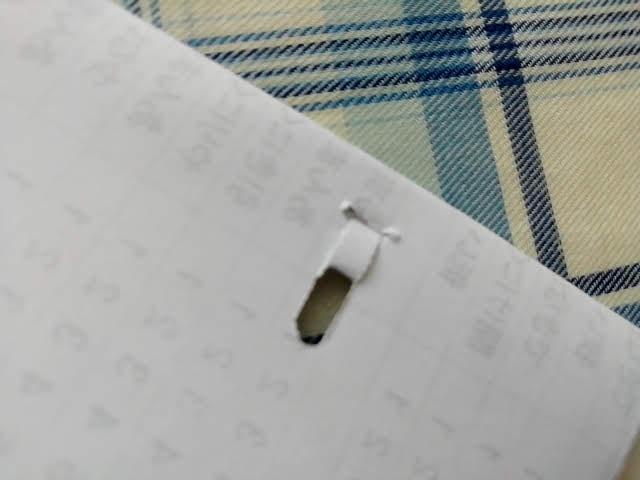 100均セリアの針のいらないホッチキスは4枚だとしっかり綴じれる