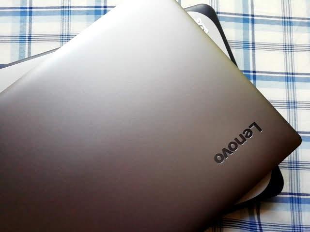 LenovoのIdeapad S130(11)の大きさ