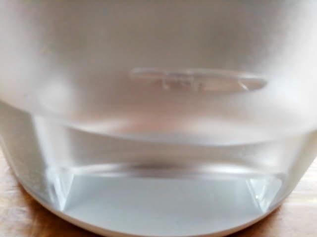 コロナの除湿機 CD-P63A の水のたまりっぷり