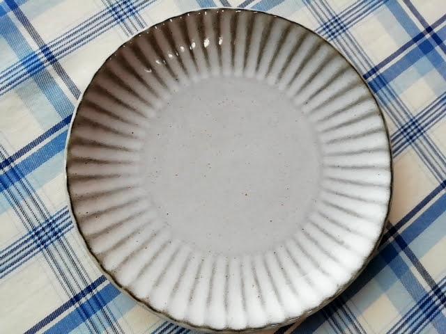 ニトリの唐茶削ぎ13センチ皿