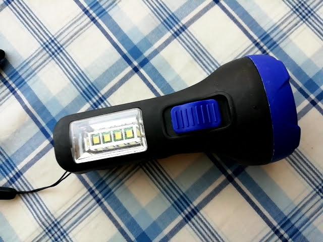 100均キャンドゥの2WAY LED懐中電灯