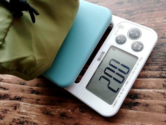 ワークマンのフィールドコアのレディース高撥水シェルジャケットの重さ