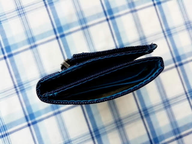 mont-bellの小さなお財布のトレールワレットにお金を入れてみたところ