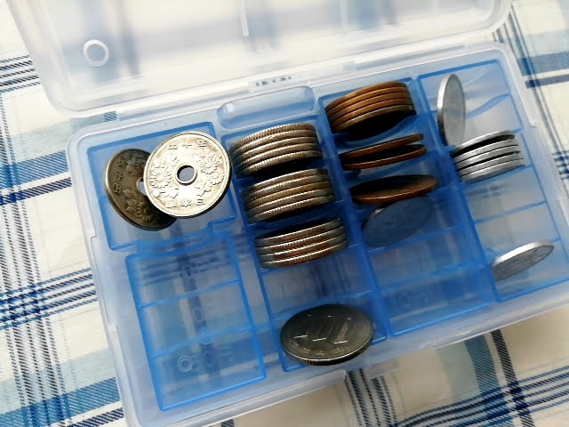 100均セリアのセパレート コインケースに適当にコインを入れて振ってみた後