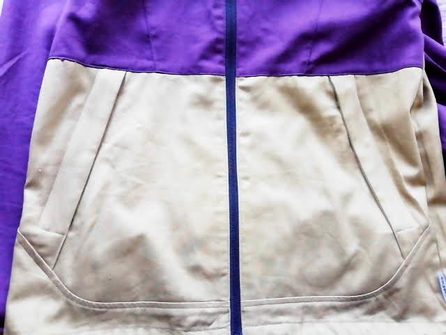 ワークマンのフルジップコットンパーカーのポケット部分