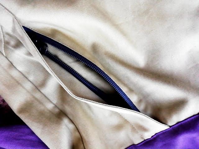 ワークマンのフルジップコットンパーカーのポケットはチャック付き