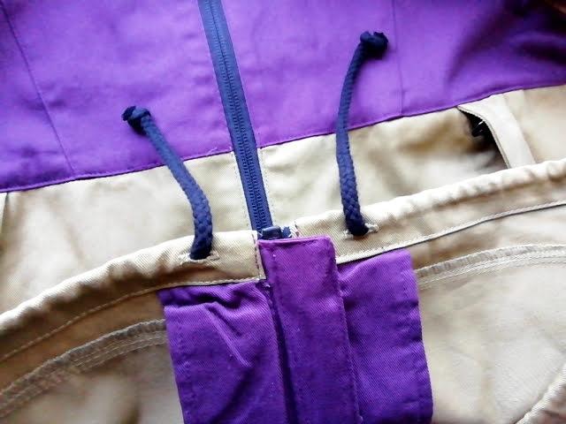 ワークマンのフルジップコットンパーカーの裾部分