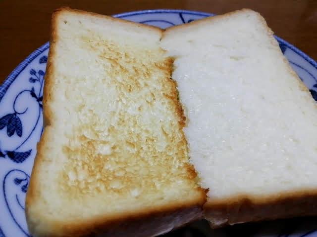 銀座 にしかわの高級食パンを生と焼いて食べてみる