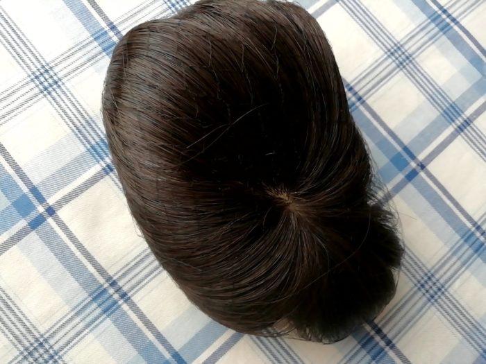 プリシラの白髪かくしウイッグ つむじタイプ ナチュラルブラックを箱から出したところ