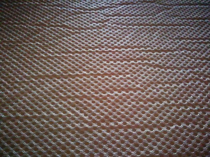 モダンデコの高反発の三つ折マットレスのカバーのシワ