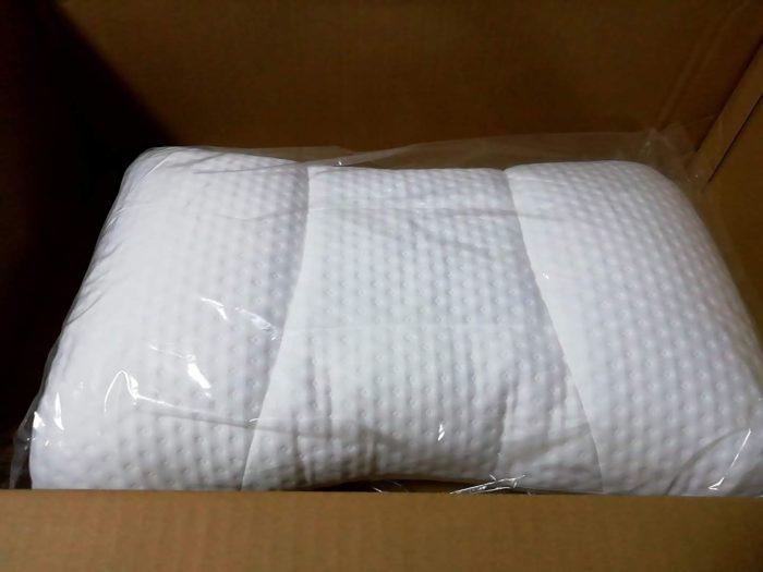 ニトリの「高さが10ヵ所調整できる枕(パイプ)」