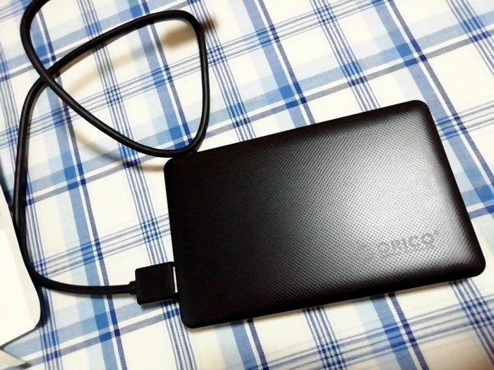 ORICO 2.5インチ HDDケースにパソコンから取り出したSSDを入れて外付けSSDが完成