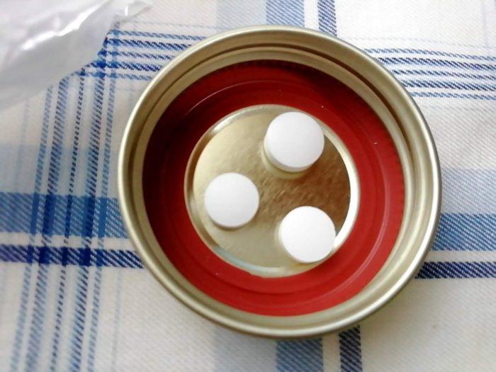 アスセリート整腸剤 おなかのための3つの乳酸菌とミヤリサンの大きさの違い