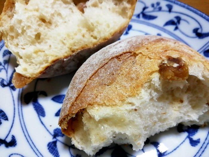 タカキベーカリーの石窯パン いちじくロール