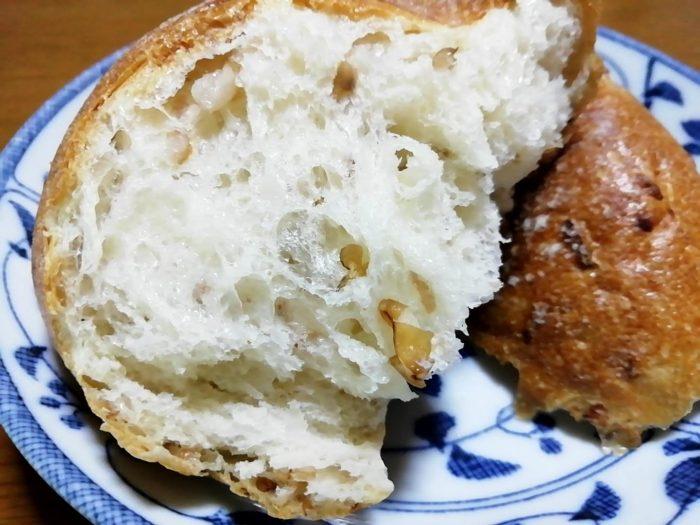 タカキベーカリーの石窯パン ライ麦ロール