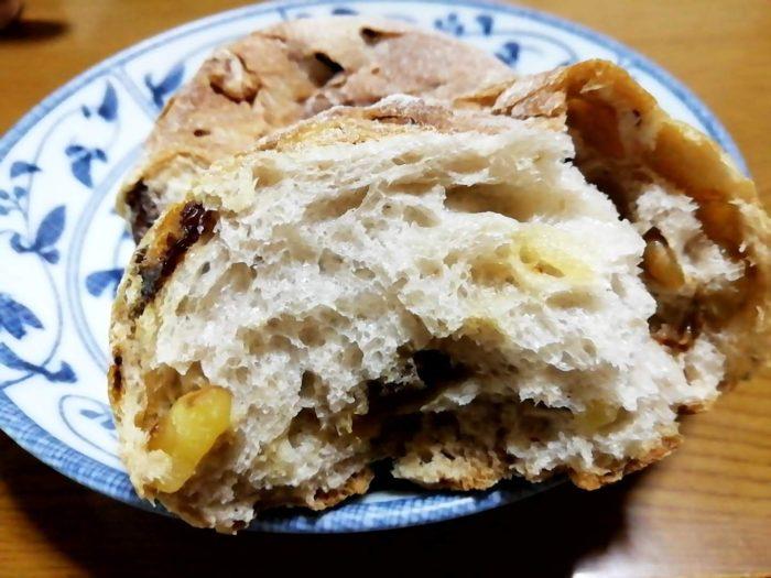 タカキベーカリーの石窯パン レーズン&くるみロール