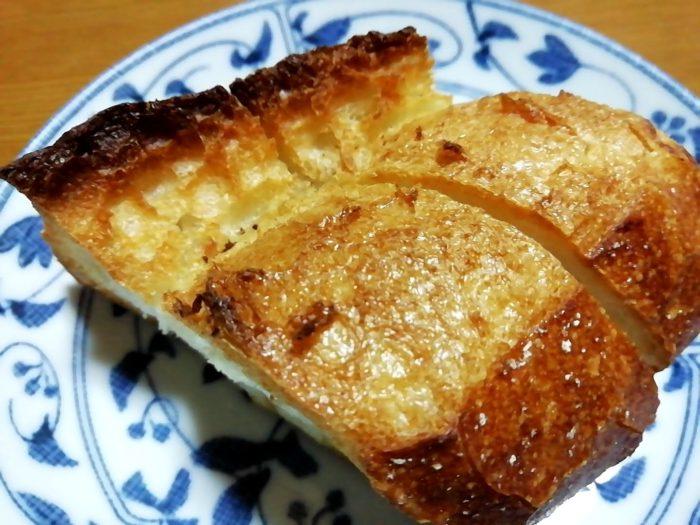 タカキベーカリーの石窯パン 香ばしい皮のミニバゲット