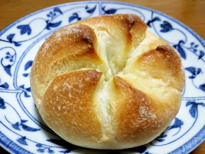 タカキベーカリーの石窯パン カイザーロール