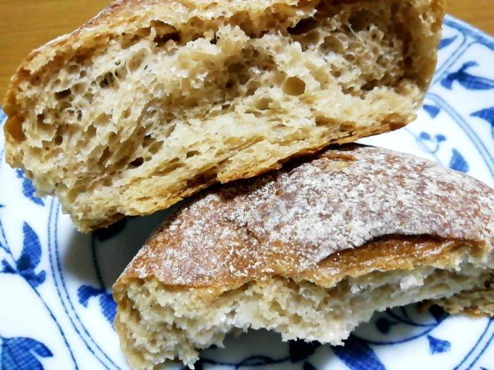 タカキベーカリーの石窯パン 玄米ロール